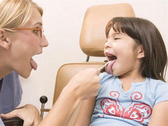 Çocukta Sinüzit: hastalığın farklı formlarında belirtiler